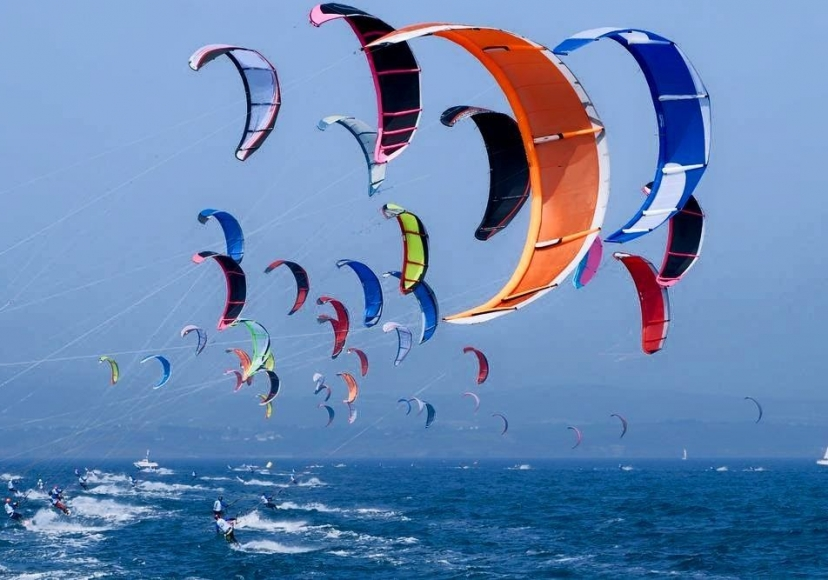 KITE-SURFING-IN-AG.-IOANNIS