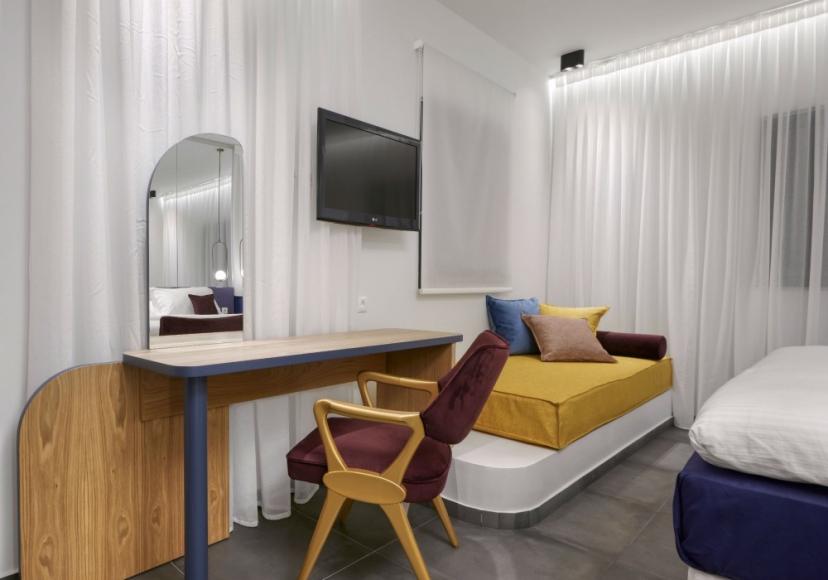 room 101 - 04 E